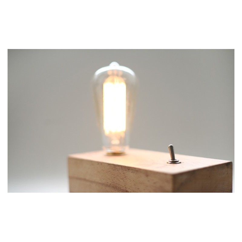Lampe de table design retro en bois avec ampoule edison for Lampe de table rona