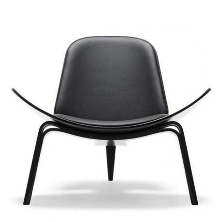 Wegner CH07 Shell armchair design