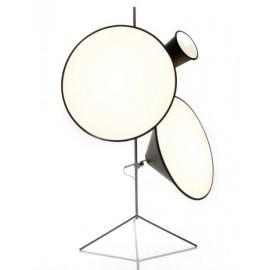 Lampadaire design cone tripod stand