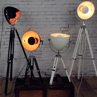 https://www.dezignlover.com/en/design-table-lamp/1473-hollywood-cinema-table-lamp.html